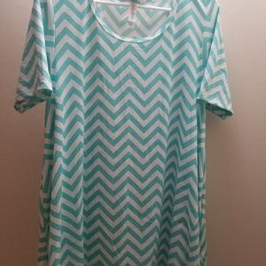Lularoe perfect tee